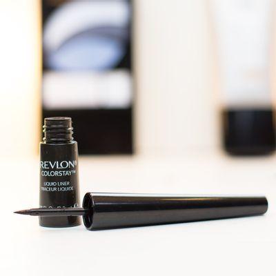 A-Delineador-Liquido-Revlon-ColorStay-Black-12909.02